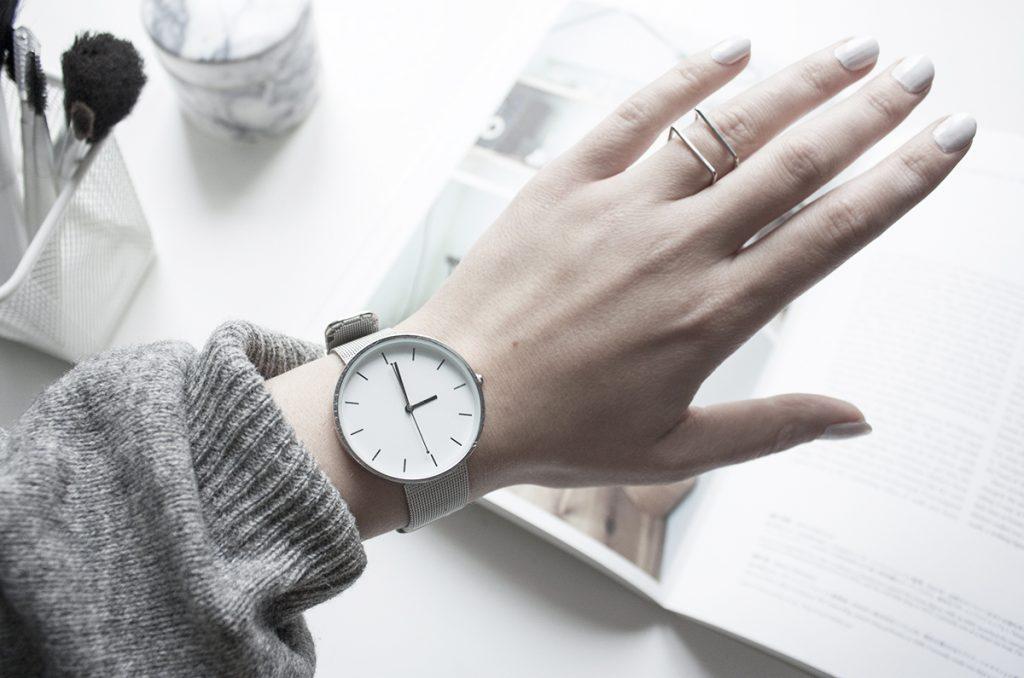 Đồng hồ nữ. Ảnh: Internet